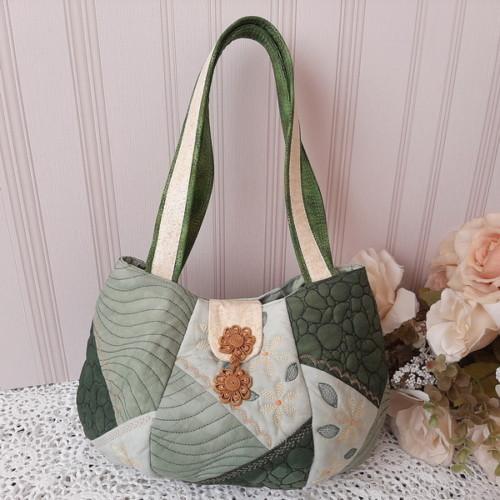 IHQ Crazy Patch Bag